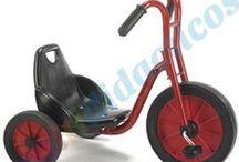 Bicicletas, karts y patinetes / ¿Estás buscando una bici, kart, o un patinete para tu hijo? Echa un vistazo a la gran variedad del catálogo de www.pedale.net