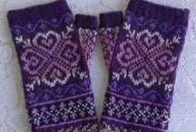 Knitting mittens / wanten breien / by Natasja Den Blaauwen