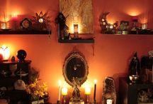 Om altaret och behövligheter / About the altar and it's needs