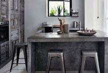 Déco Gris Béton   INSPIRATION / Couleur neutre et moderne le gris s'installe dans nos intérieurs. Découvrez toutes nos inspirations déco de meubles et intérieurs en gris béton. Pour plus d'idées rendez-vous sur www.maison-facile.com ! #gris #homedecor #meuble