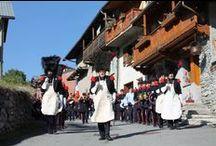 Le 15 Août à Bramans / Le 15 Août à Bramans est sans aucun doute l'événement de l'été à ne pas rater en Haute-Maurienne. Une tradition qui remonte à l'époque Païen. Quand aux pompiers en tenue empire, cela fait plus de 150 ans.