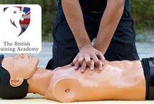 Prim-ajutor / www.ssm-siu.ro S.C. SSM & SIU S.R.L. - Accidentul doare. Prevenirea nu! Orice probleme ocupaționale ai întâmpina, contactează-ne cu încredere! Experții noștri îți oferă cu siguranță cea mai bună soluție la problemele tale! În mâinile noastre, firma ta este în siguranță!