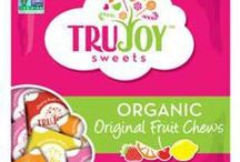 Surf Sweets / Organically-sweetened gummies and candies with a fresh fruit flavor that are allergy-friendly. https://savorfull.com/brand/surf-sweets/