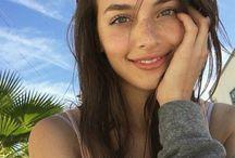 Instagram Selfie Poses