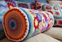 SoloCuscini - OnlyPillows / Morbidi colorati e divertenti.  Crocheted, knited or recycled