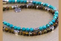 Man Trendy / Catene, croci, anelli per un look impeccabilmente fashion e glamour. Una nuova collezione di gioielli bracciali trendy per completare il tuo abbigliamento.
