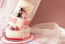 Wedding-cake by Rêves et Gâteaux / Échantillonnage de mes pièces montées! Réalisées uniquement sur mesure, elles sont crées en fonction du souhait des mariés, à partir de leur faire-part, thème de décoration, robe de mariée, etc.