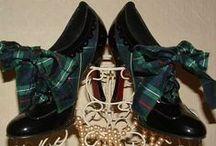 Shoes ... Shoes ...  Original accessories !!!!! / Un tableau réservé aux chaussures ... à talons, plates, basket ... originales, magnifique, brodées, en cuir ... qu'importe elles seront bientôt toutes là !!!!!!