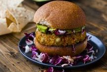 Flax Vegetable and Bean Burgers / burgers made with flax vegetables and beans
