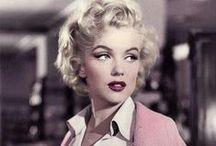 """[ Marilyn Moroe ] / """"Não me alimento de 'quases', não me contento com a metade! nunca serei sua meio amiga, ou seu meio amor.. é tudo ou nada."""""""