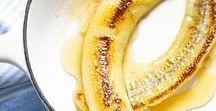 Bananen Bananas Bananes * Rezepte Recipes Recettes / Natürlich süß. Rezepte mit Bananen - mehr als nur schälen und essen! Bananen können vielfältig für Desserts und Kuchen eingesetzt werden. Besonders braune und überreife Bananen eignen sich hervorragend für Bananen-Brot, Muffins, Cupcakes, Pancakes und Eiscremes. Bananen-Rezepte die dich zum Lächeln bringen.