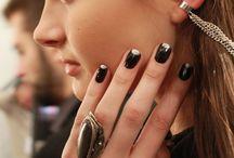 *manicure*