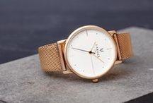 - LARUZE - Watches / Laruze, c'est une nouvelle vision de la montre. Une pièce d'horlogerie précieuse et intemporelle, mais aussi l'accessoire de mode parfait. La montre qui s'accordera à toutes vos envies en quelques secondes !