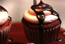 Cupcakes / Never under-estimate the power of chocolate.