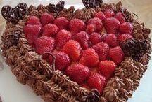 Gebak / Mmm... Jarig? Een feestje? Of gewoon zin om een geweldige taart te maken? Zet de spullen maar alvast klaar voor dit heerlijke gebak!