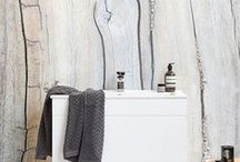 Bathroom Wallpaper / Give a little love to your bathroom with our wonderful bathroom wallpaper. They're the perfect idea for those looking to add something special to their home decor.