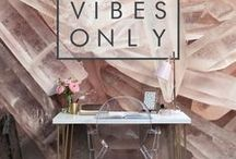 Office Decor / Looking to switch up the decor in your home office? These wallpaper murals and office decor ideas are sure to inspire you to tranform your space into something beautiful.