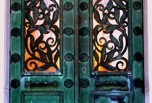 Charming Doors / Welcome your guests to an inviting Front Door!! / by Judy Lehman