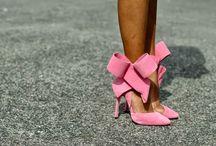 Shoez / by Lindsay Zamara