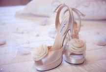 Scarpe per la sposa / Scarpe sposa. Idee per le scarpe da sposa. Scarpe sposa 2016. Decollete, sandali gioiello, ballerine, sneakers.