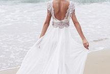 Beach wedding dresses / Beach wedding dresses, destination wedding dress, barefoot bride, wedding at the beach