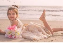 Beach wedding flower girls / Beach wedding, barfoot flower girls