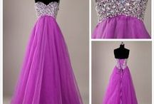 Beautiful  Dresses / by Dorothy Thornton