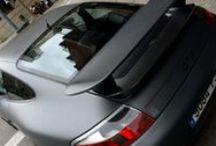 """Porsche 996 cambio de color a Gris Metalizado Mate Car Wrapping by Pronto Rotulo since 1993 / Porsche Rojo? mmmm, ahora es Porsche en vinilo integral color Gris Antracita Metalizado Mate, y lleva detalles en vinilo Negro Mate y hasta le pintamos las llantas en Negro para que sea mas bajo el perfil, o no es así? Materiales wrap alta duración MacTac  Bueno, que disfrutes del """"behind the scenes""""...  + info en http://www.prontorotulo.com/ + info en https://www.facebook.com/prontorotulo + info en https://www.twitter.com/prontorotulo + info en https://www.youtube.com/prontorotulo / by Pronto Rotulo"""