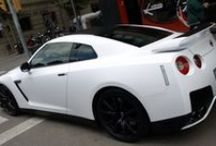 "Nissan GTR Rent Bull Blanca a integral Blanco Mate Car Wrapping by Pronto Rotulo since 1993 / Nissan GT-R en Blanco Mate? Sisi, la hemos cambiado de color y lleva detalles en vinilo Negro Mate, te gusta? Cliente Ren Bull. Materiales wrap alta duración MacTac  Bueno, que disfrutes del ""behind the scenes""...  + info en http://www.prontorotulo.com/ + info en https://www.facebook.com/prontorotulo + info en https://www.twitter.com/prontorotulo + info en https://www.youtube.com/prontorotulo / by Pronto Rotulo"