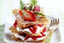 Une envie de fraise... / Les desserts à la fraise, on ne s'en lasse pas. Mousse, tarte, compote... retrouvez toutes nos recettes à la fraise, MIAM ! #recette #fraise