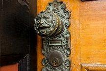 Metaal doorknockers