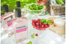 Pink Party Ideas / Whether you're planning an engagement celebration, a birthday bash or a baby shower, you'll find perfect pink party inspiration here! #pinkstergin #pinkparty #pink