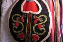 National costumes and folklore inspirations / Nasjonaldrakter og inspiasjon fra folklore
