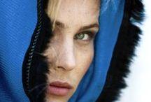 Poncho femme cachemire - Rue du Cachemire / Découvrez nos ponchos 100% cachemire - On peut même les personnaliser !  #poncho #ponchos #cashmere #cachemire #personnalisation  #rueducachemire