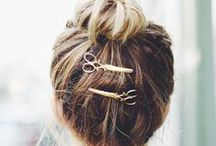 Hair Accessories / Sometimes your hair needs some decorations! Find new ways to spice up your hairstyle with accessories.