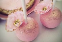 Beautiful cake pops and cup cakes