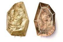 ~Geometrie Schmuck / Beim Versuch, eine Richtung von Chaos, von Zorn oder von Starrheit zu verursachen, werden geometrische Formen verwendet. Geometrische Formen können auch verwendet werden, um abstrakte Deutungen der Sachen zu verursachen, die normalerweise als organische Formen bildlich dargestellt würden.