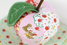 Pins & Pincushions / Pretty pincushions and sewing pins