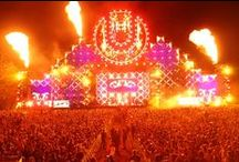 Everything EDM / Everything that goes into EDM - music, lighting, projection, video, festivals, and more / by Live Design