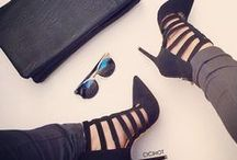 SHOES AND HEELS / Love all diferent types and colors. And how they compliment an outfit.