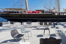 Salon/1 Istanbul / Op 2 oktober leverde Canoof deze stoelen van de Nederlandse Designers: Marcel Wanders, Bertjan Pot, Maarten Baas, Richard Hutten, Sjoerd Vroonland en Joep van Lieshout, aan in de haven van Rotterdam. Ze werden per boot getransporteerd naar Istanbul voor de Salon/1. Canoof is trots op Ducth Design.