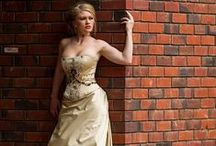 Strapless wedding dresses / A classic wedding dress style exposing the shoulders.