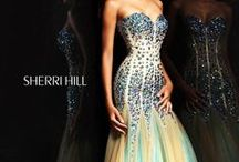 Gowns and dresses / For special occasions