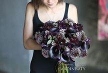 Черный свадебный букет. Фотосессия для журнала Цветы World / Этот букет для невест, которые отвергают все стереотипы и готовы выйти замуж с восхитительным черным букетом. Черный цвет настолько прекрасен!