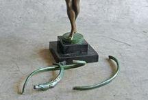 Réparations d'antiquités en bronze et orfèvrerie