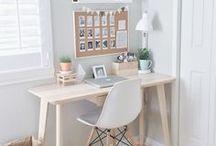 Wohnen: Office / Arbeitsplatz / Home Office, Arbeitsplatz einrichten, Interieur, Computerplatz, Laptopplatz, Bildschirm, Arbeitsfläche,