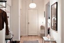 Wohnen: Eingang / Entrance; Wohnungseingang, Vorraum, Interieur, Eingang, Wohnungstür