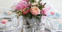 DIY: Tischdeko / Hier findest du Inspiration für deine selbstgestaltete Tischdekoration. Sei es ein Tischkärtchen, Untersetzer, Tischblumen, Servietten, oder ganze Tisch Arrangements