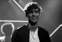 Troye Sivan / THE MOST PERFECT PERSON ON EARTH <3