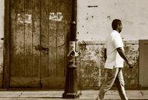 Amar sin Olvidar / Cuento contenido en el libro Buscando tesoros por edudelcorral disponible en:   http://www.edudelcorral.com/escritos/cuentos-cortos-de-un-largo-viaje-una-coleccion-de-narrativas-de-latinoamerica/como-adquirir-un-ejemplar/